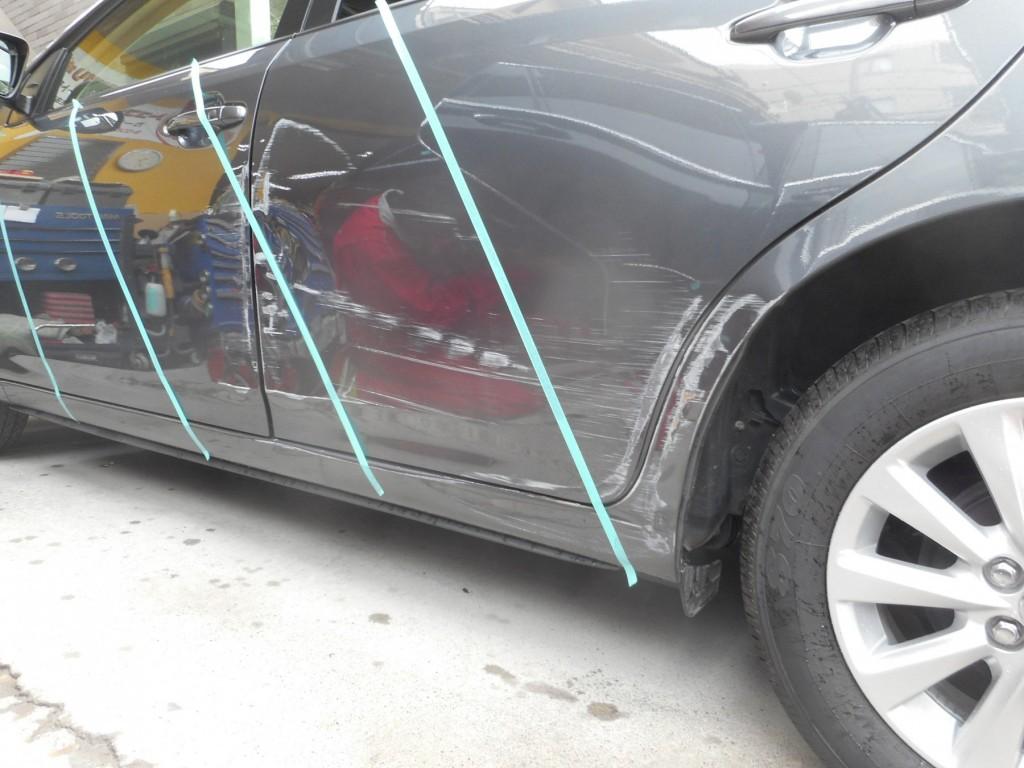 トヨタ・アリオン板金塗装、修理前