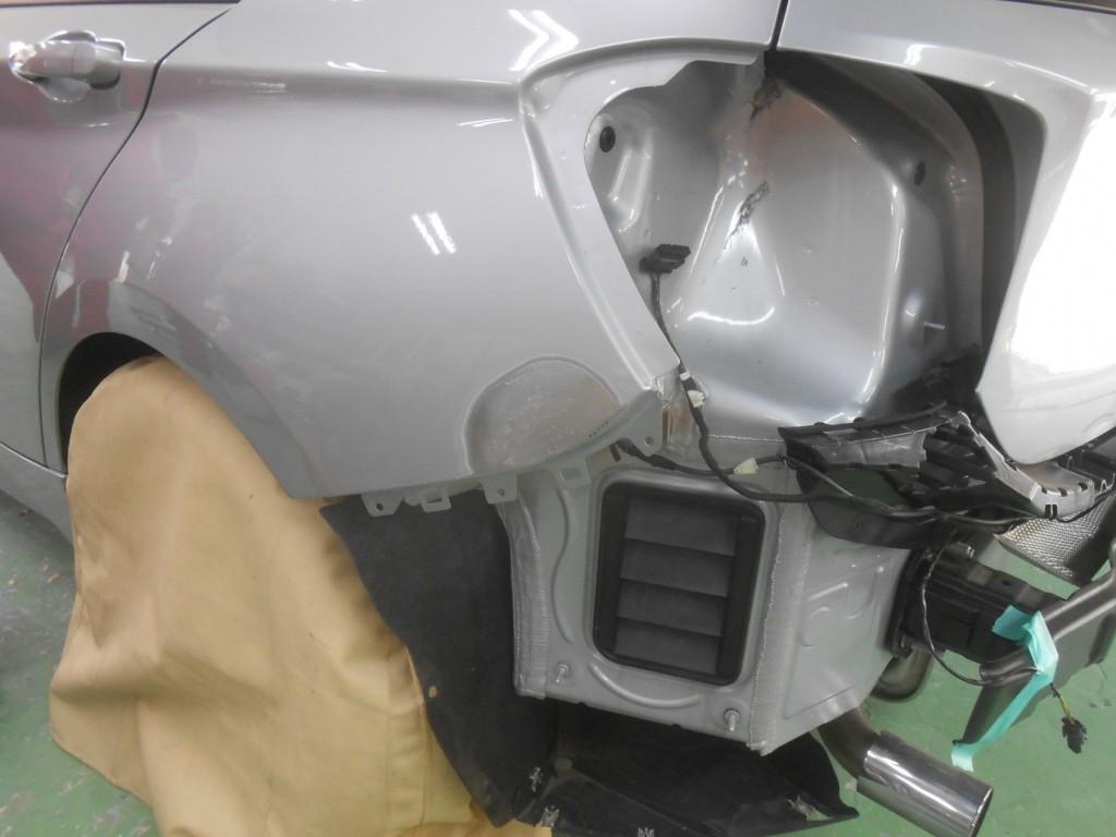 BMW1シリーズ鈑金脱着