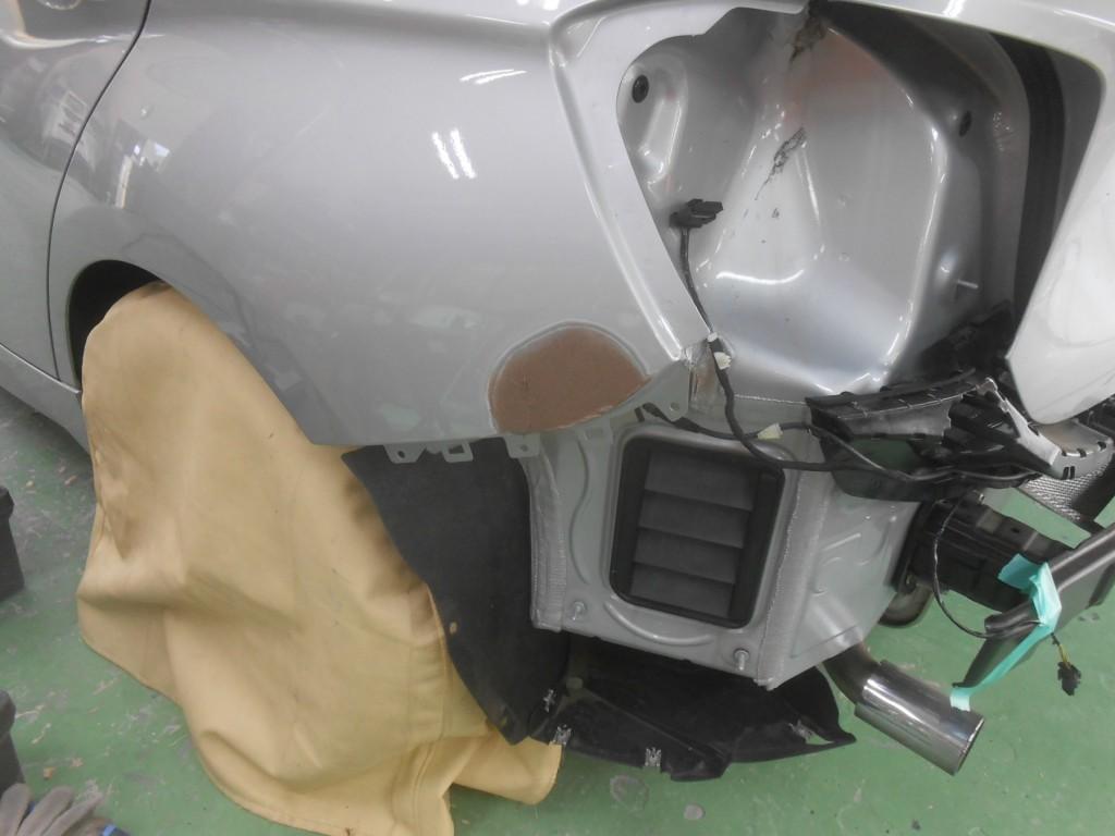 BMW1シリーズパテつけ
