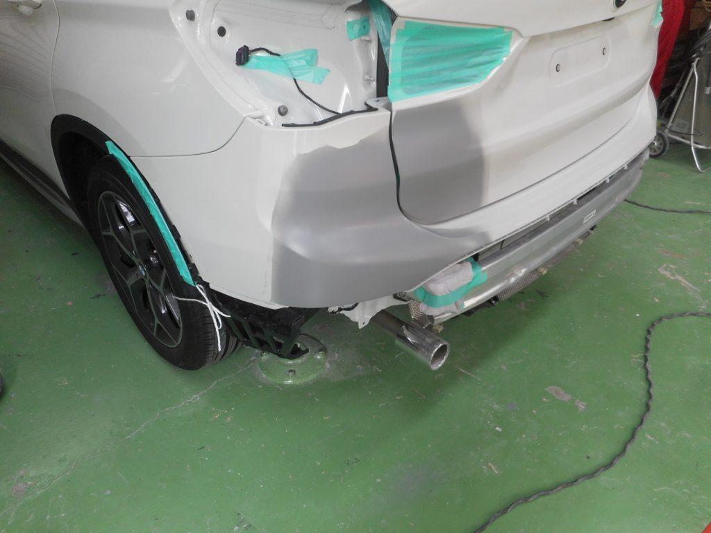 BMW・X1、下地処理