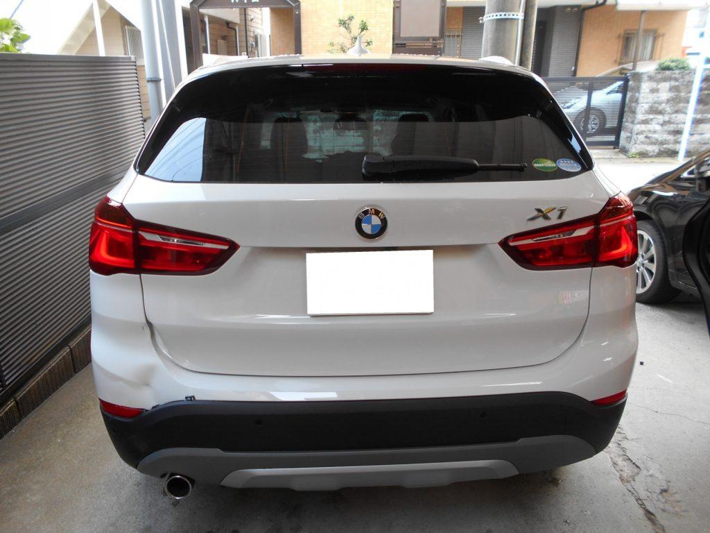 BMW・X1、板金塗装修理前