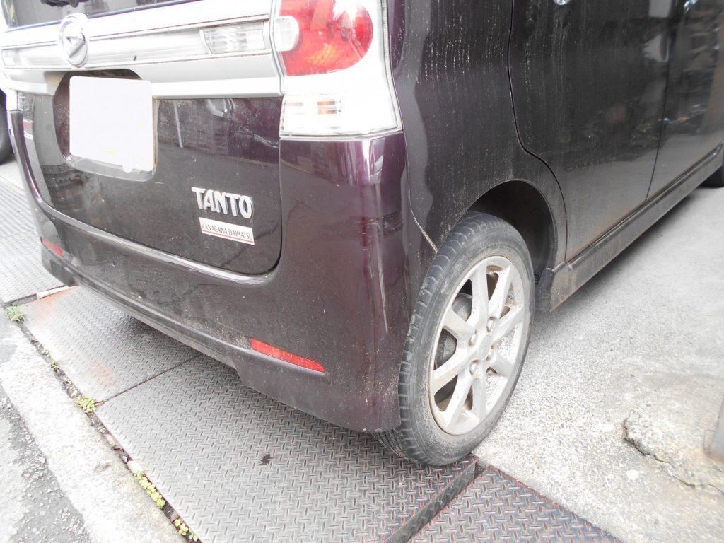 ダイハツ・タントリヤバンパー修理