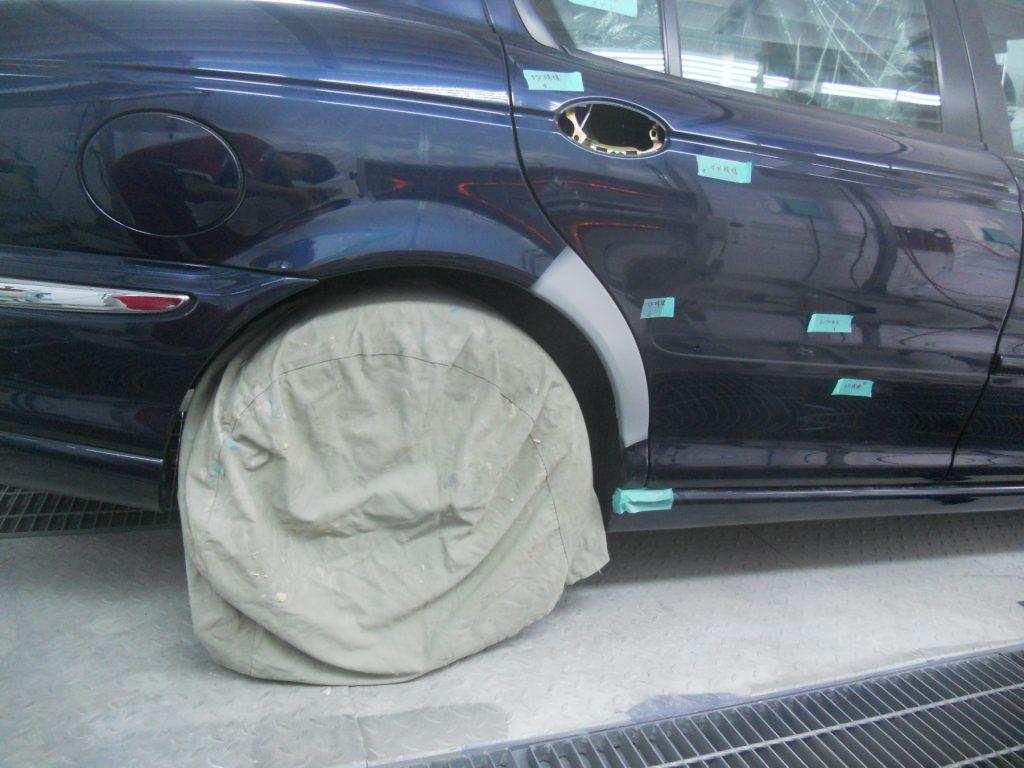 ジャガー板金塗装・サフェーサー