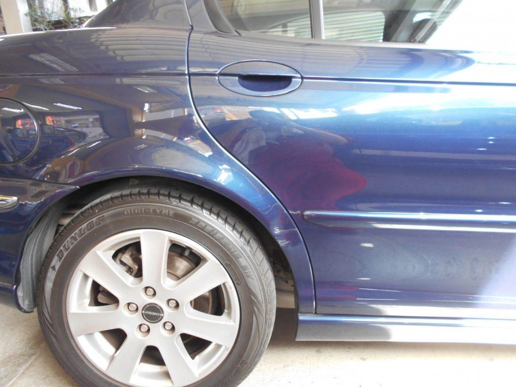 ジャガー板金塗装・修理前