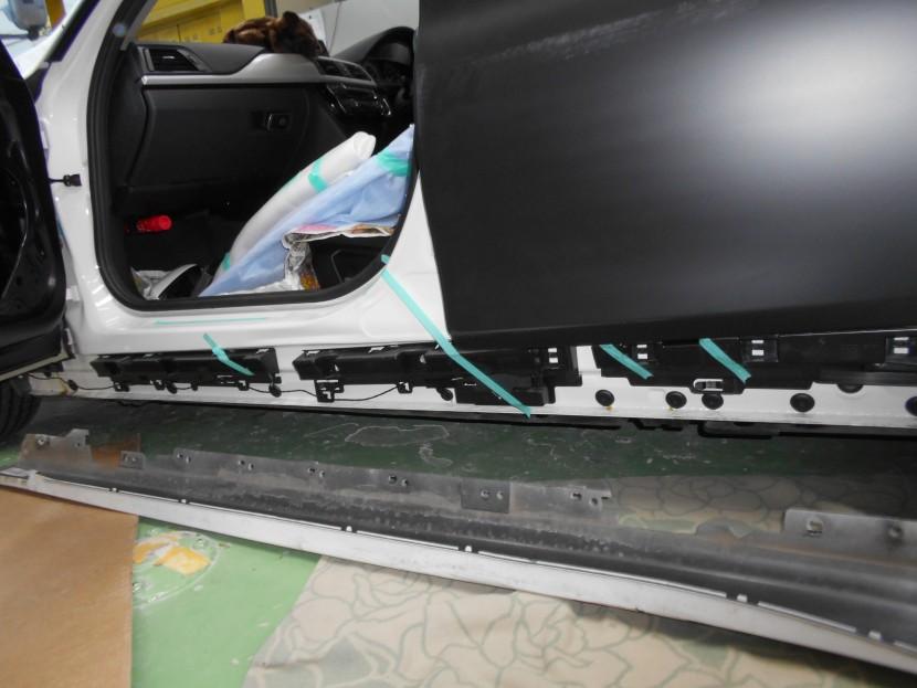 BMWサイドシル損傷状態