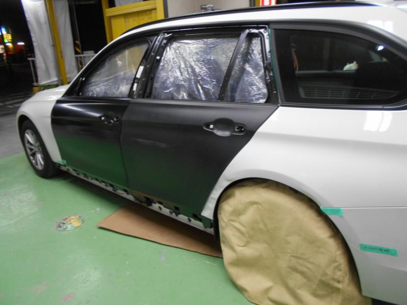 BMWドア交換・塗装前