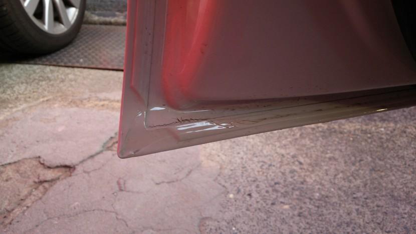 アウディA5板金塗装、ドア裏