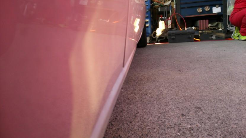 アウディA5板金塗装、ドア損傷状態