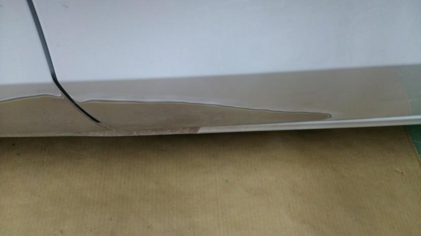 アウディA5板金塗装、リヤドア板金修理