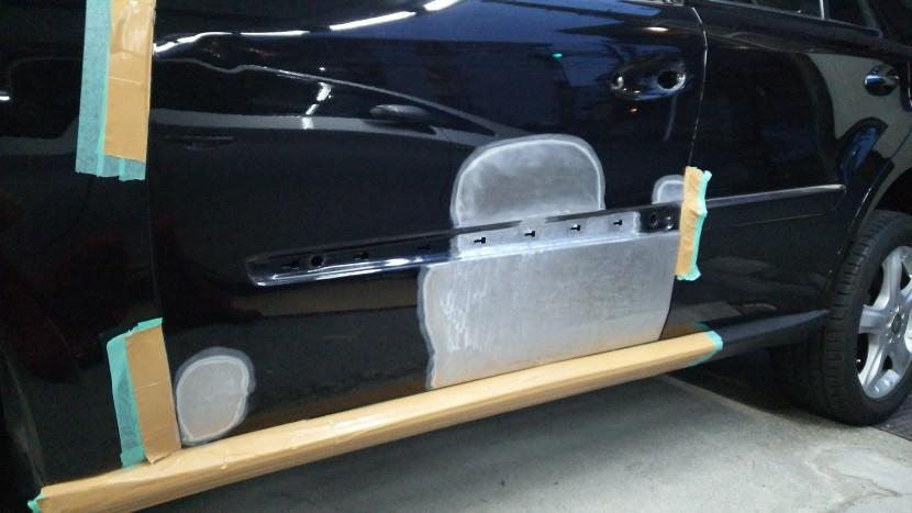 ベンツML、ドア板金修理工程
