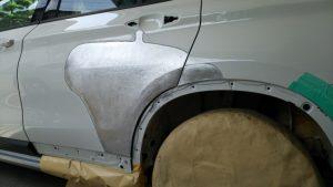 BMW・X1、板金