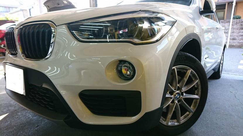 BMW・X1バンパー切れ穴埋め修理完成
