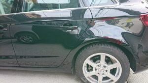 アウディA3(黒)の左リアドア・リアフェンダーの凹みを新車のように板金修理