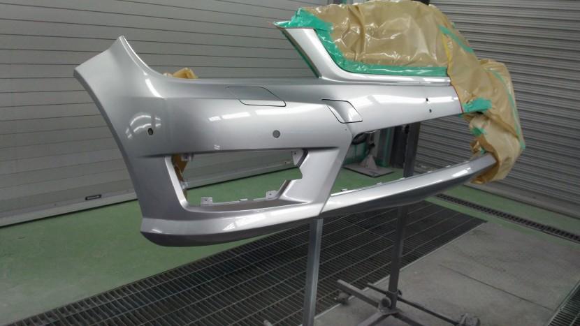 ベンツC180・フロントバンパー塗装