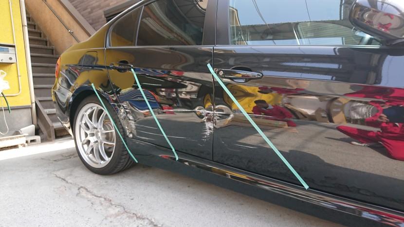 BMWの右側面の損傷状態