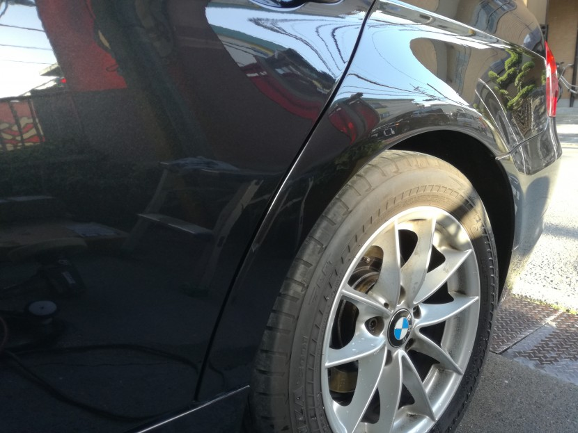 BMWの3シリーズ黒 リアドア・フェンダーの修理完成!