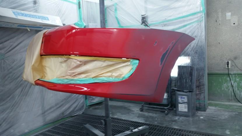 ワーゲンポロ・左フロントバンパーの塗装