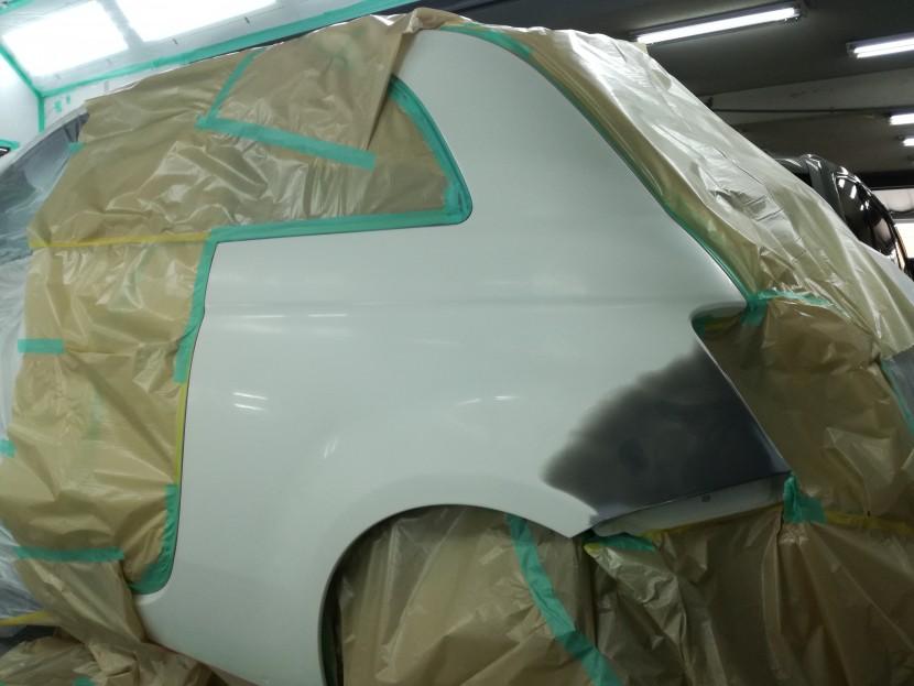 フィアット・リアフェンダーの塗装