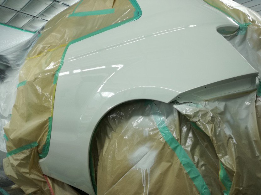 リアフェンダーの塗装が終わった状態