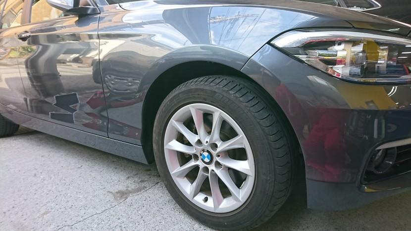 BMW1シリーズの右フロントフェンダーとスポイラーの凹み修理が完成!