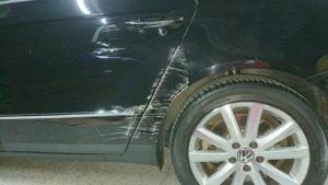 パサート板金塗装、ディーラーで50万円以上!その半額で板金修理事例
