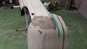 ベンツEクラス/バンパーの割れや切れは修理できます。是非ご相談を!