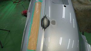 リヤバンパーぶつけて穴が!修理できます。その理由