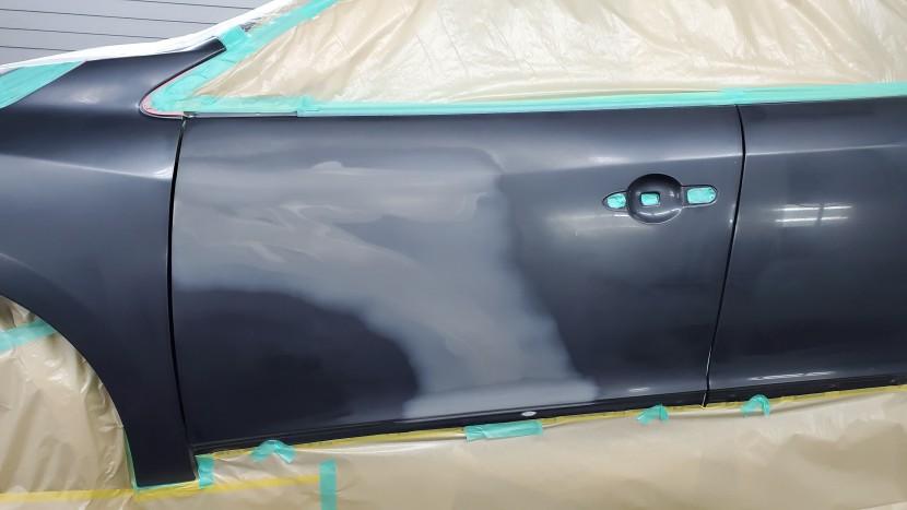 ルノー・メガーヌ板金塗装/傷へこみ修理ならお任せ、ルノー板金修理工場