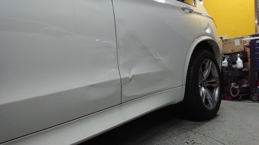 BMW・X5/ドアを交換した理由と板金にした理由。プロの見解と助言!